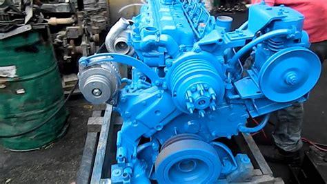 Motor navistar mecánico 250 Hp - YouTube