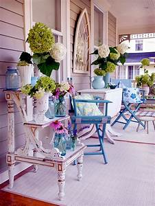 The wooden house covered porch – decorating ideas and