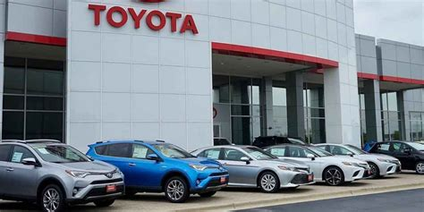 How can I find reliable car dealers near me in Philadelphia?
