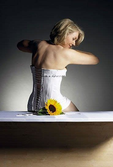uk housewives calendar  pics