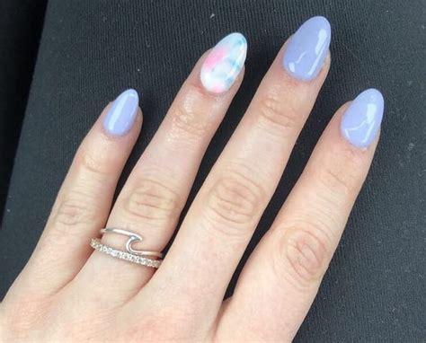 nail art estate tie dye le unghie estive del momento
