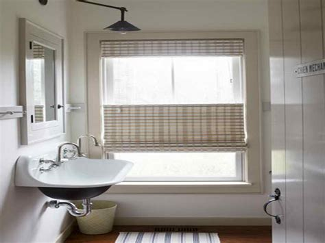 small bathroom window treatments ideas small bathroom window treatment ideas 1000 ideas about