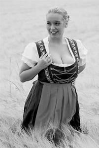 Frau Im Bild : frau im dirndl iv foto bild portrait portrait frauen outdoor bilder auf fotocommunity ~ Eleganceandgraceweddings.com Haus und Dekorationen