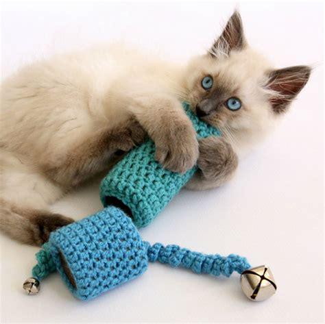 jouet pour chat fait maison 10 jouets pour chats tr 232 s mignons 224 bricoler soi m 234 me astucito