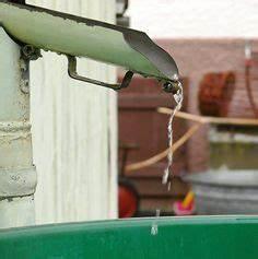 Regenwasser Von Dachrinne Ableiten : regenwasser sammeln regenwasser aus dem fallrohr ableiten montageanleitung garten ~ Frokenaadalensverden.com Haus und Dekorationen