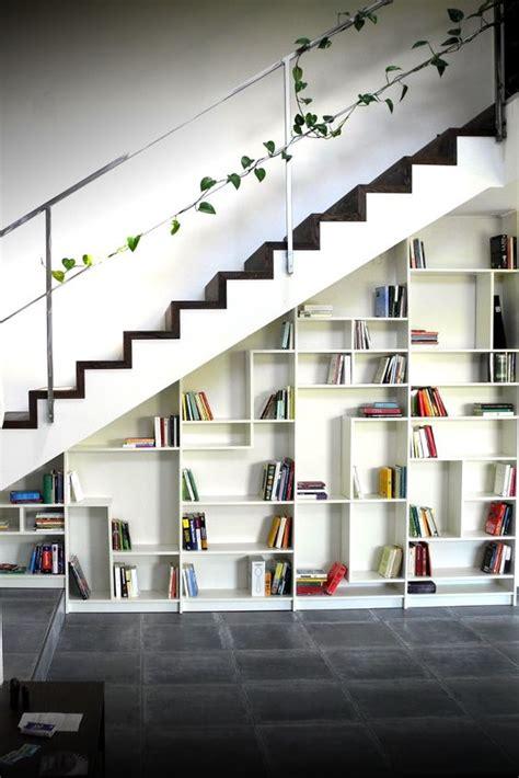 amenager un dessous d escalier 14 biblioth 232 ques am 233 nag 233 es sous l escalier consobrico