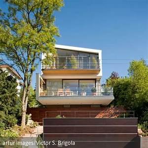 Terrasse Am Haus : zweist ckiges haus mit balkon und terrasse tolle holzh user auch am hang pinterest modern ~ Indierocktalk.com Haus und Dekorationen