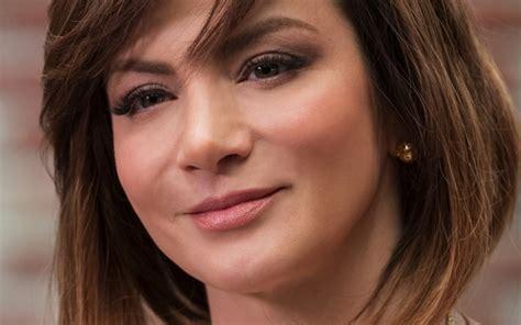 Silvia Navarro Shows Major Side Boob In Steamy Caer En