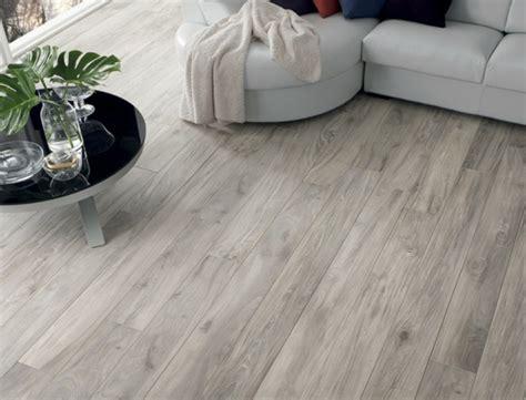 Fussboden Fliesen Auf Holz by Italienische Fliesen La Fabbrica Granit Und