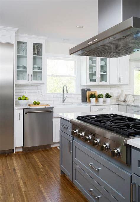 cooktop  center island design ideas