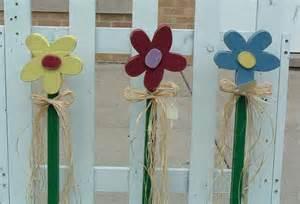 Wooden Flower Yard Stake