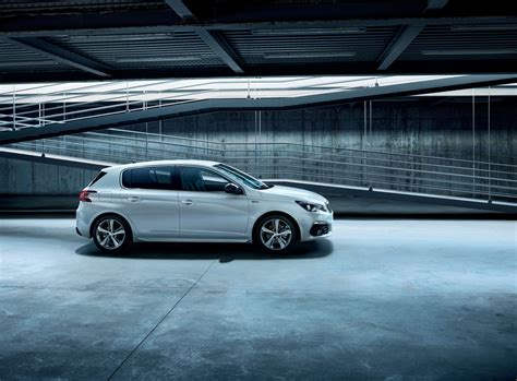 Peugeot Fr by New Peugeot 308 Discover The Compact 5 Door By Peugeot