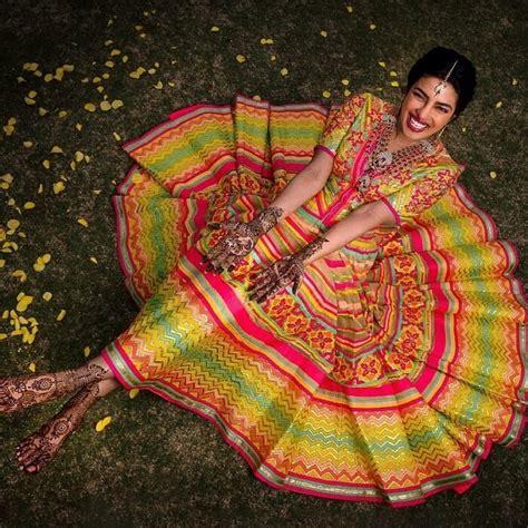trendy latest mehndi dresses ideas inspired  bollywood