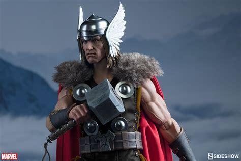 Sideshow Thor 1/6 Scale Action Figure Marvel Comics God of ...
