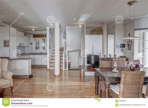 cucina con sala da pranzo cucina di stylewhite con sala da pranzo immagine stock