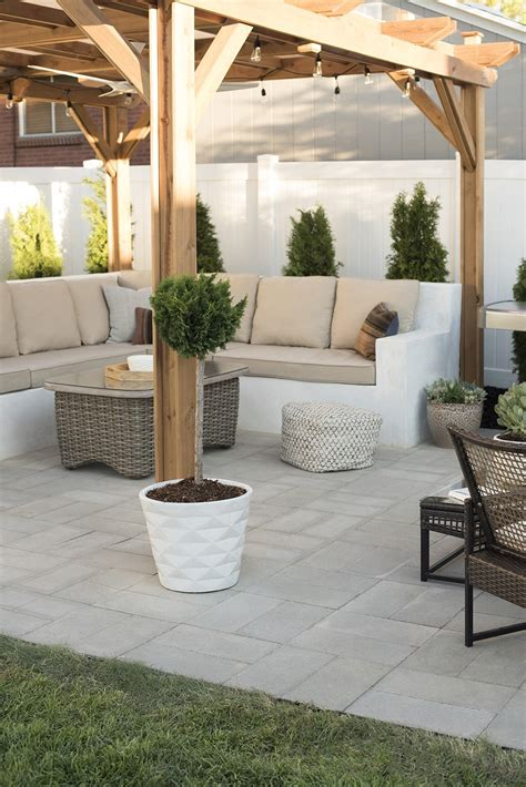 Paver Patio Images by How To Install A Custom Paver Patio Room For Tuesday