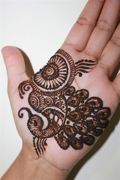 20 Latest and stylish one line Mehndi Designs for Hands