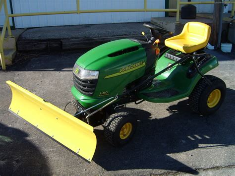 Deere L110 Mower Deck by 2004 Deere L110 Lawn Garden And Commercial Mowing
