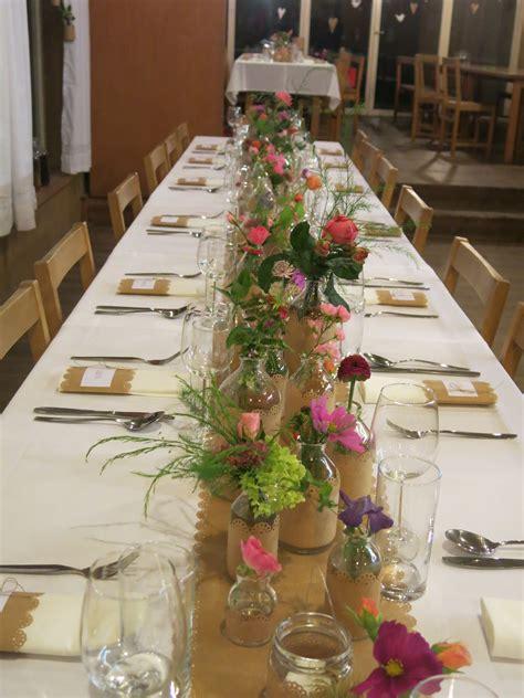 tischdeko diy kraftpapier wiesenblumen hochzeit