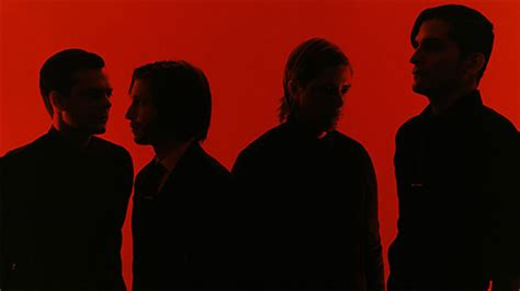 si鑒e d interpol aucun achat requis et idiote bassesse inoubliable turn on the bright lights d 39 interpol