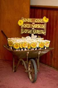 Memorable wedding sunflower wedding theme a sunny idea for Sunflower wedding favor ideas