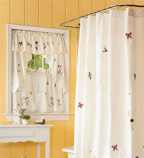 Small Bathroom Window Curtains by 25 Best Images About Bathroom Window Curtains On