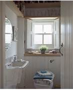 Small Cottage Bathrooms by Best 25 Small Cottage Bathrooms Ideas On Pinterest Small Cottage Plans Sm
