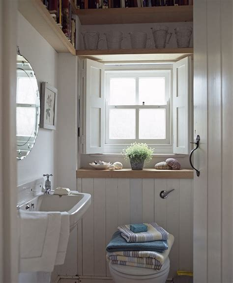 Decorating Ideas For Small Bathrooms Without Windows by 25 Best Ideas About Small Cottage Bathrooms On