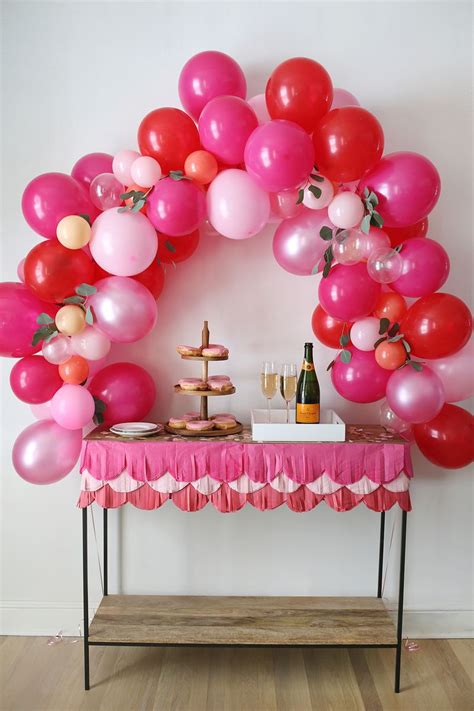 how to a fancy balloon arch a beautiful mess