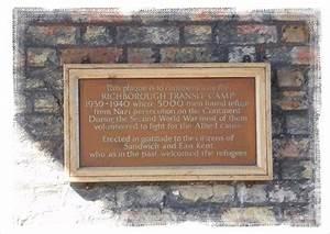 Plaque Transit : richborough transit camp commemoration plaque the barbican sandwich kent uk uk ~ Gottalentnigeria.com Avis de Voitures
