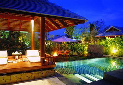 beautiful tropical retreat  lush gardens