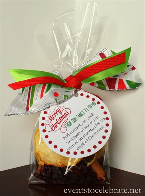 homemade christmas potpourri recipe free printable gift