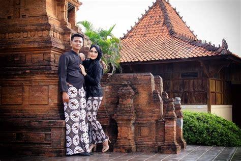 prewedding  batik romantisme  elegan