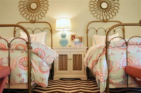 amenager chambre pour 2 filles amenager une chambre pour 2 ado quelles couleurs