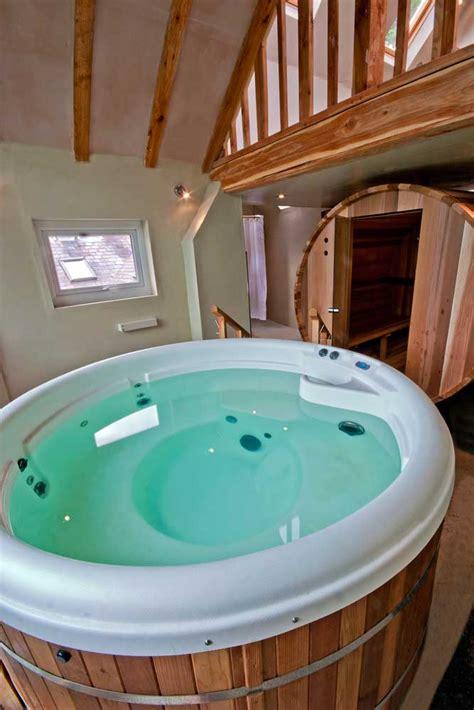 spa hot tub sauna massage wales nr lake vyrnwy