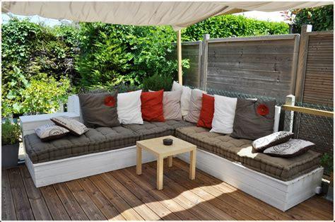canapé de jardin salon de jardin canapé d 39 angle extérieur en bois idées