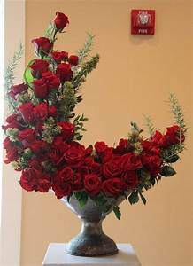 crescent shaped bouquet of roses pictures photos and