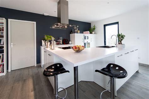 plan cuisine design table de cuisine avec plan de travail photo la cuisine