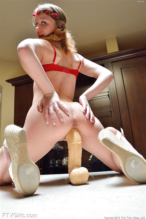 Amateur Teen Girl Ride Dildo