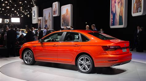 volkswagen jetta revealed compact sedan pushes