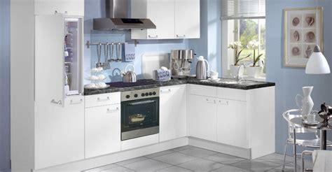 cuisine blanc et bleu photo 23 25 c 39 est lumineux et