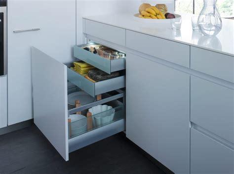 cuisine lineaire design façade cuisine sans poignée cuisine leicht guérande 44