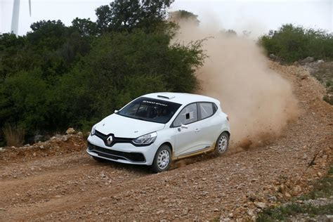 Renault Clio R3t Rally Car Unveiled