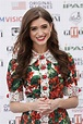 """Natalia Dyer Dyes Her Hair """"Nutella Brown"""" for Fall ..."""