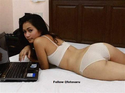 Koleksi Cewek Sexy Dan Cantik Main Laptop 69k Blog