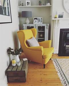 Strandmon chair ikea love this yellow beauty canapes for Fauteuils colores