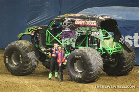 monster truck show the history of the grave digger monster truck the news wheel