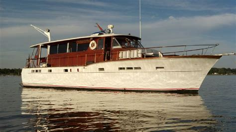 35 Ft Motor Boats For Sale by 1957 Chris Craft Salon Motor Yacht Model Power Boat For