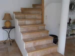 pose carrelage escalier habillage nez de marche artisan carreleur pose carrelage c 233 ramique