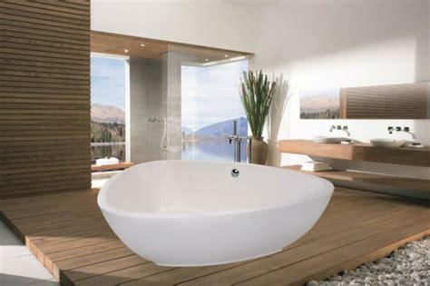 freistehende badewanne fuer eine luxurioese